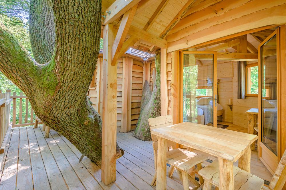 cabane dans les arbres cabane echo coucoo grands reflets. Black Bedroom Furniture Sets. Home Design Ideas
