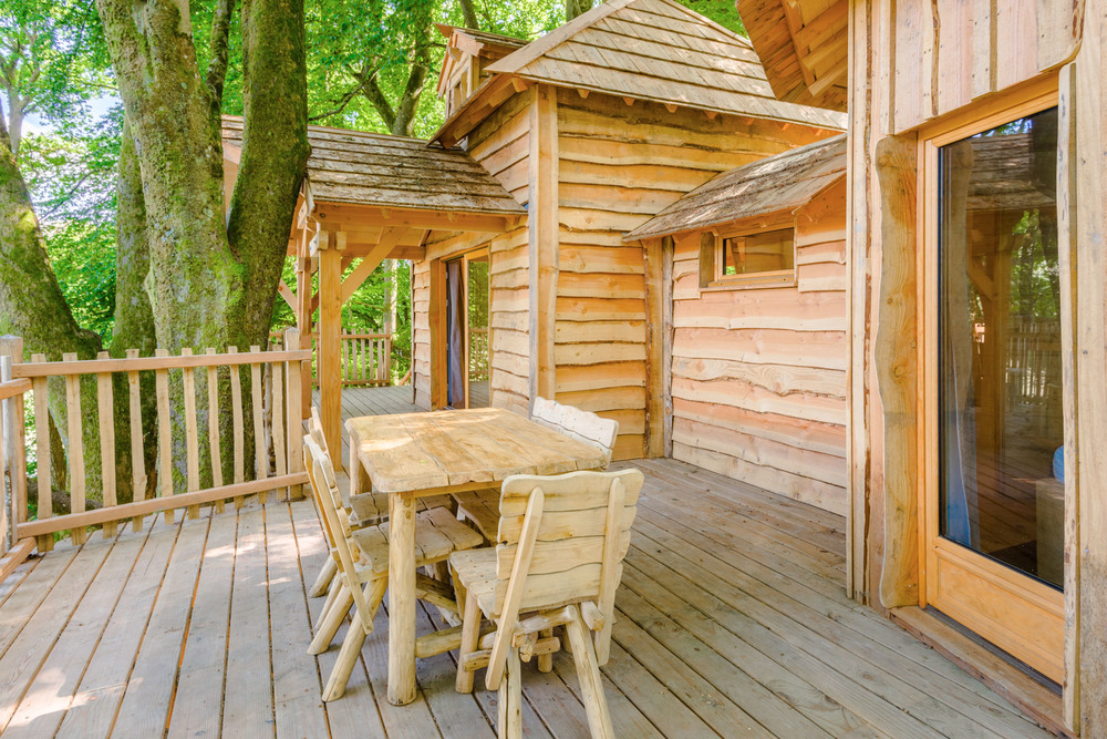 cabane dans les arbres cabane repaire cabanes des grands reflets location cabane insolite. Black Bedroom Furniture Sets. Home Design Ideas