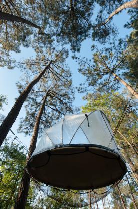 Tente suspendue haute