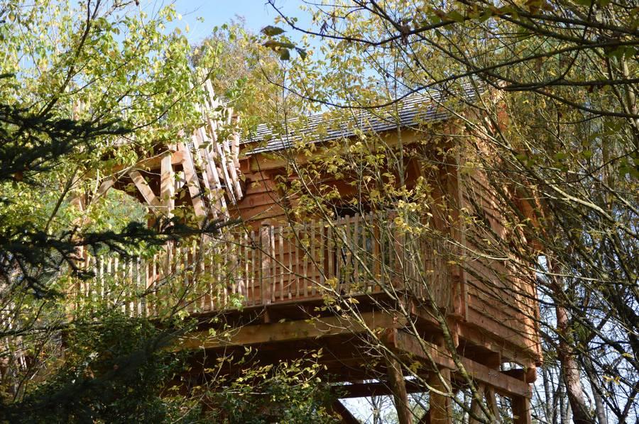 cabane dans les arbres palombi re landaise domaine ecotelia location cabane insolite. Black Bedroom Furniture Sets. Home Design Ideas