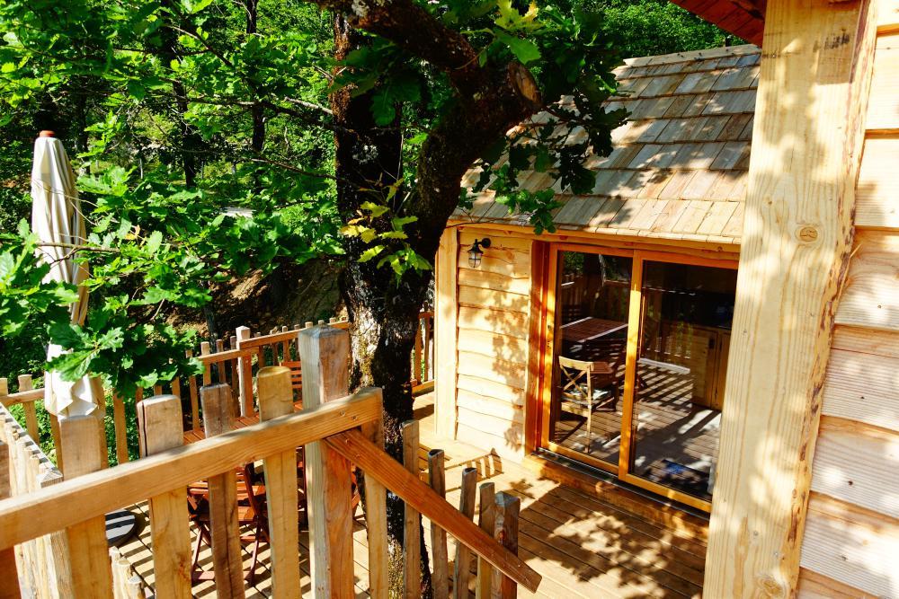 Cabane dans les arbres CABANE - D - Emeraude - Moulin de Surier ...
